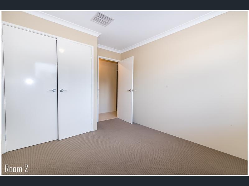 https://propertyphotos.vaultre.com.au/835/1407477__1569479306-5520-image12.jpg