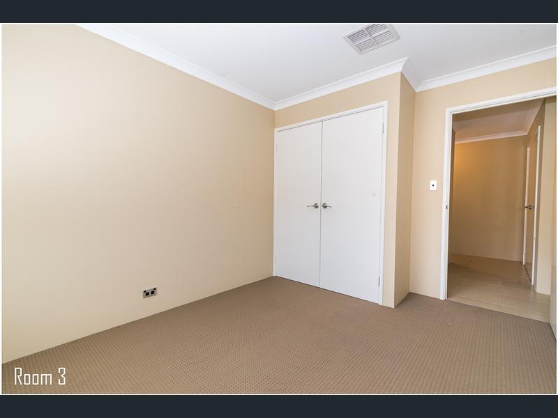 https://propertyphotos.vaultre.com.au/835/1407478__1569479311-30861-image14.jpg