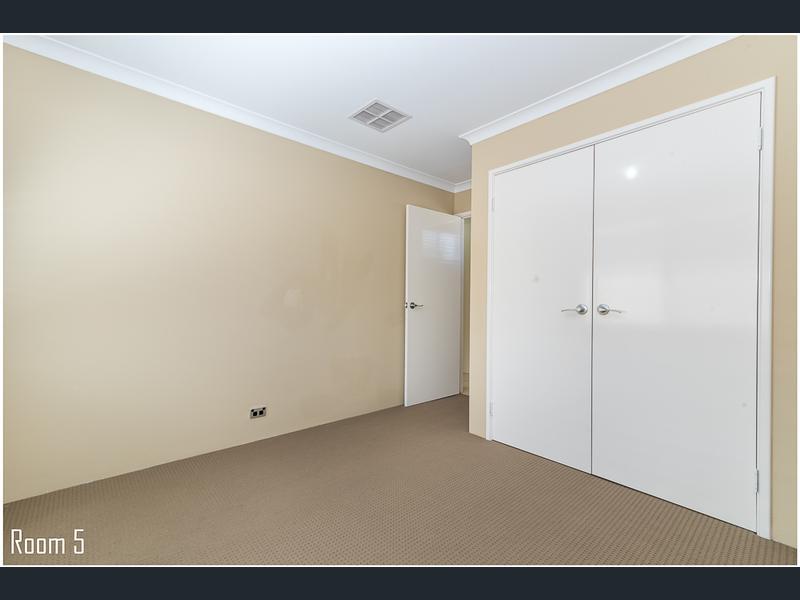 https://propertyphotos.vaultre.com.au/835/1407482__1569479318-5552-image19.jpg