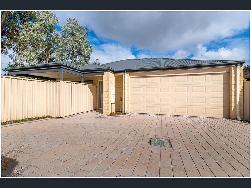 https://propertyphotos.vaultre.com.au/835/1407485__1569479327-30909-main.jpg
