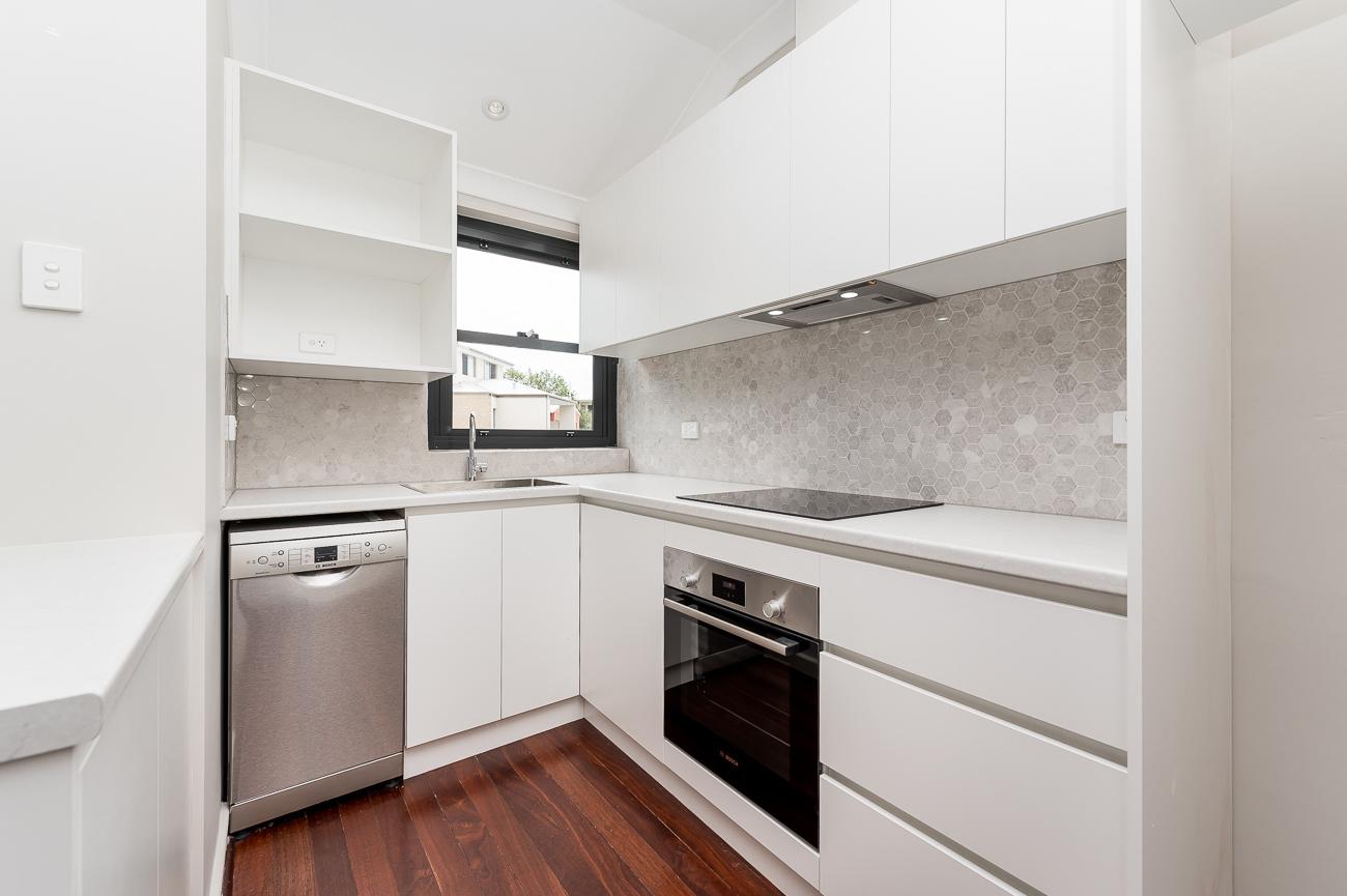 https://propertyphotos.vaultre.com.au/835/15711759__1605157137-12546-8152BroadwayCrawley-7.jpg