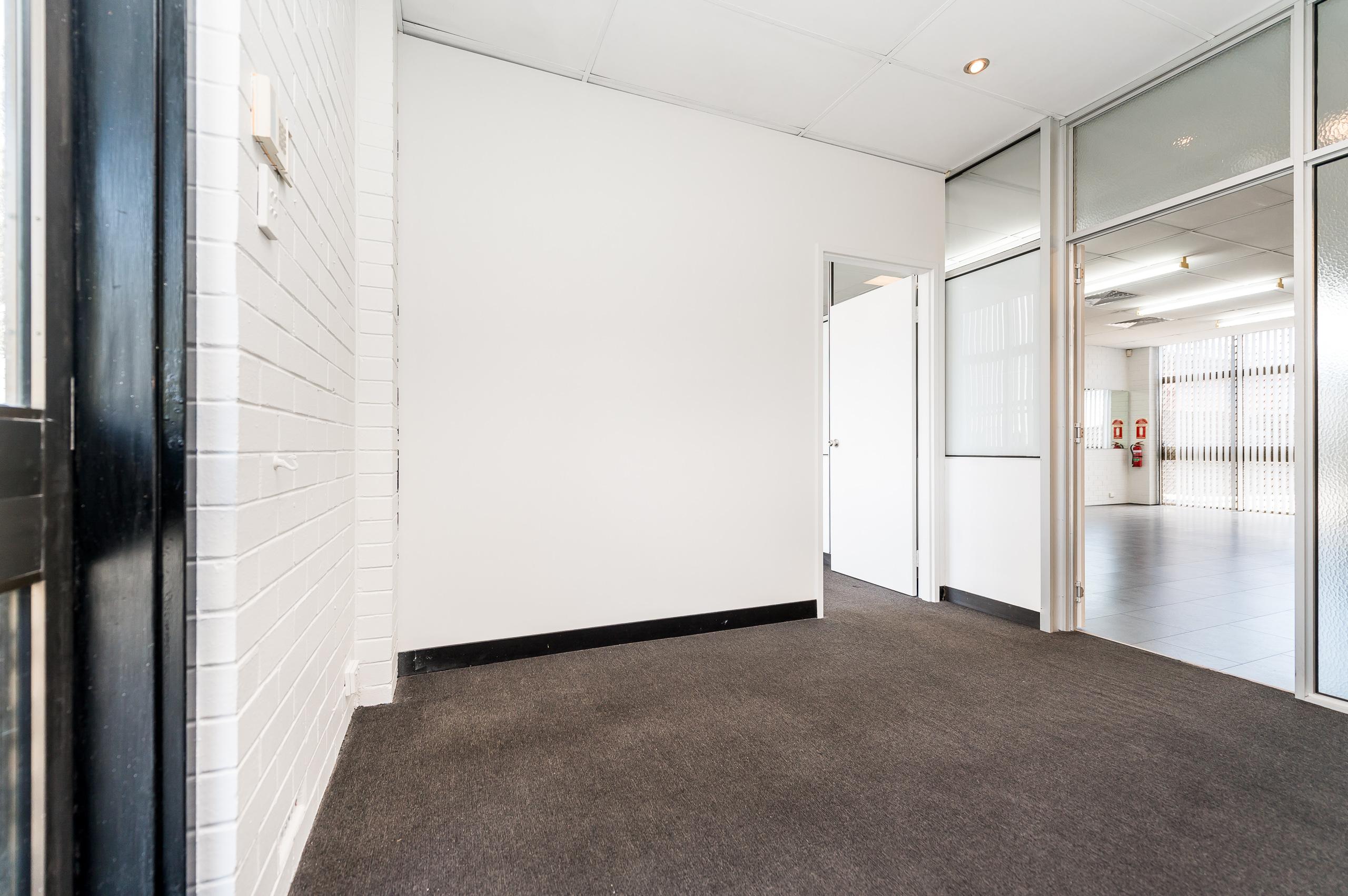 https://propertyphotos.vaultre.com.au/835/15822984__1606041367-20811-1026ShieldsCresBooragoon-9.jpg