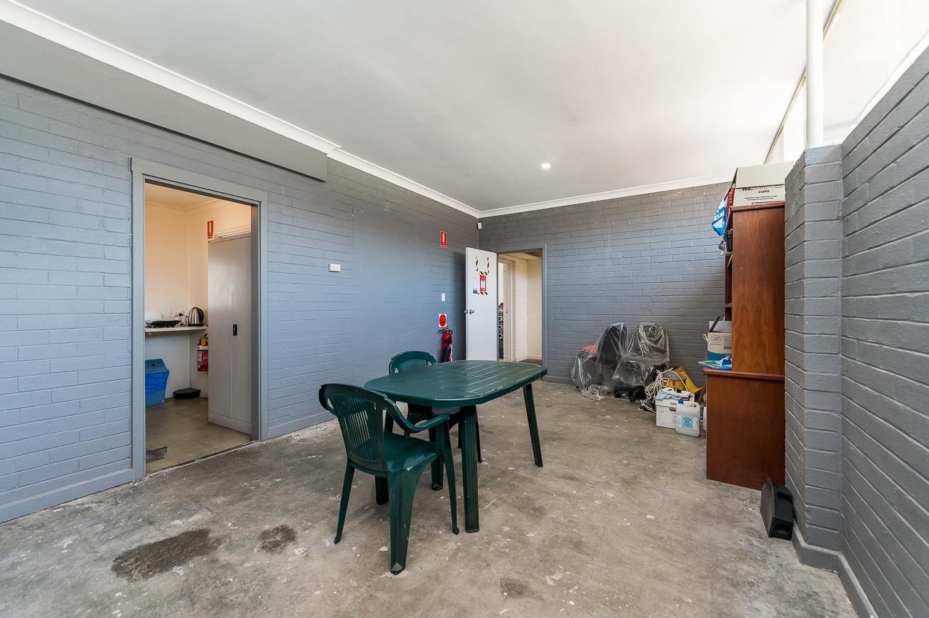 https://propertyphotos.vaultre.com.au/835/15825429__1606092320-25152-198NormaRoadMyaree-18.jpg