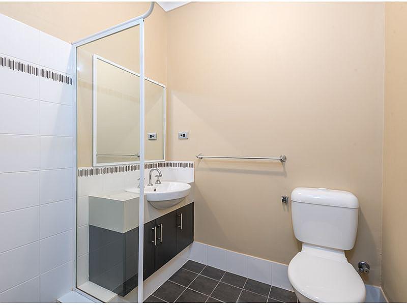 https://propertyphotos.vaultre.com.au/835/15859714__1606195888-30844-reaimport-1568684990-347499-29165.jpg