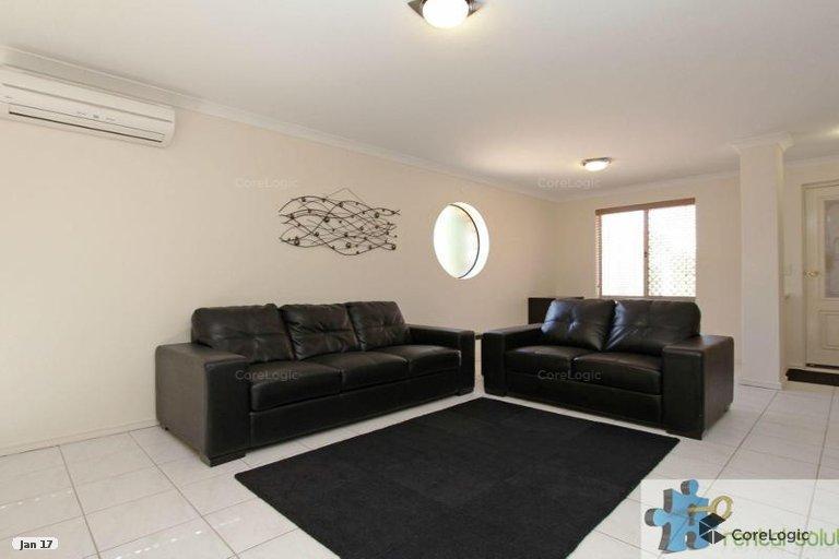 https://propertyphotos.vaultre.com.au/835/15860827__1606199276-2730-1.jpg