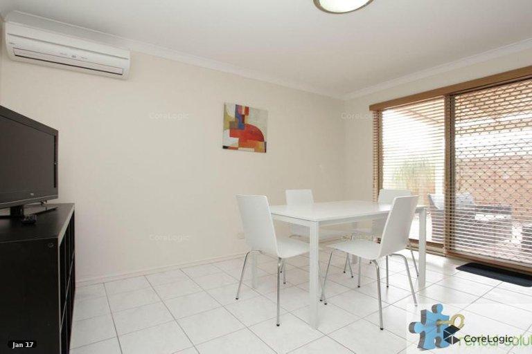 https://propertyphotos.vaultre.com.au/835/15860833__1606199283-26585-7.jpg