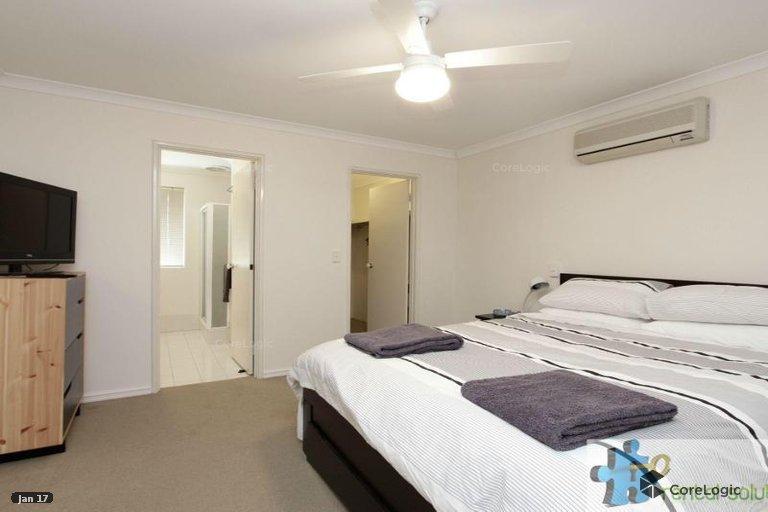 https://propertyphotos.vaultre.com.au/835/15860835__1606199285-9546-9.jpg