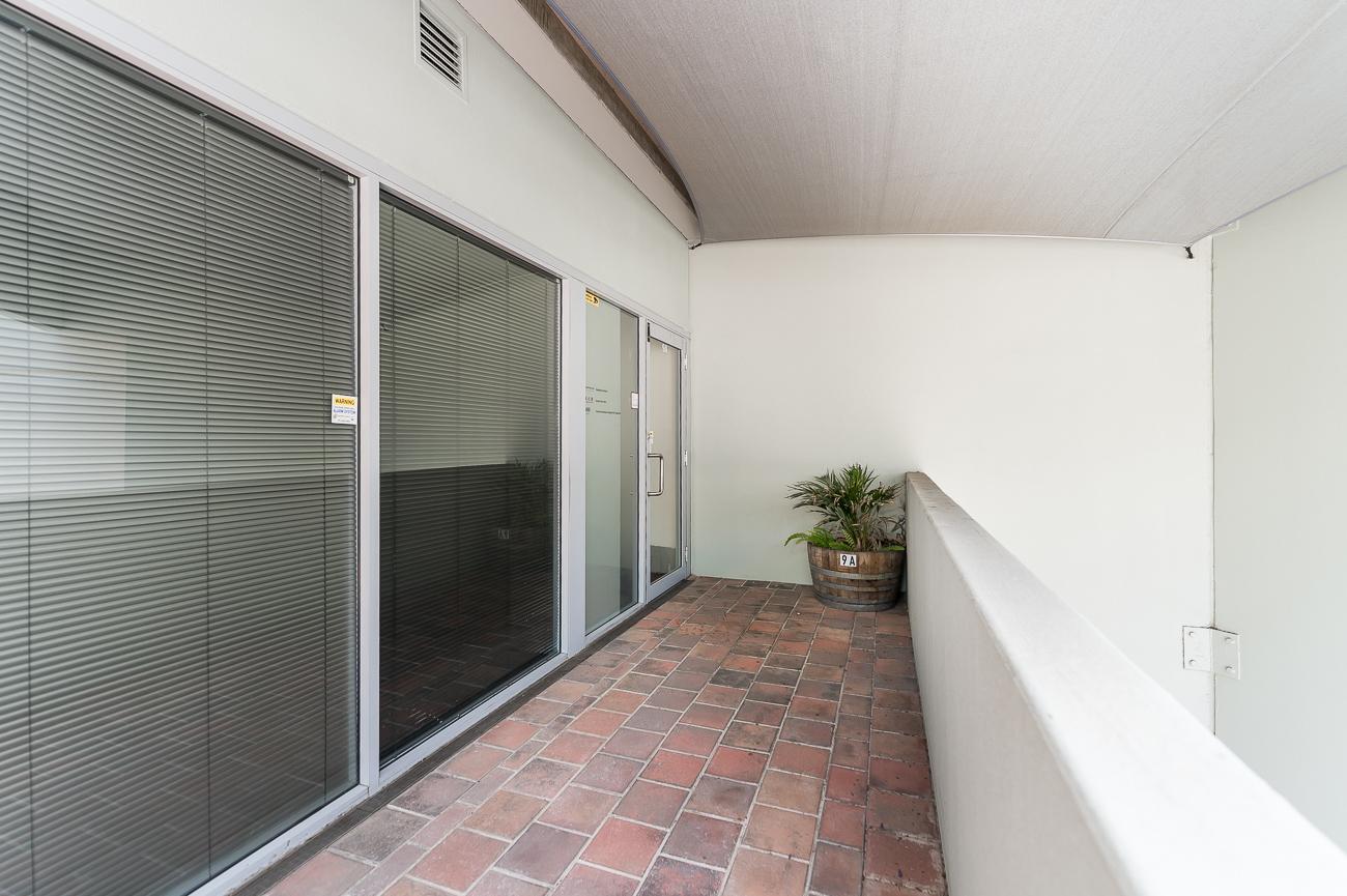 https://propertyphotos.vaultre.com.au/835/16084143__1606878262-24289-9AAgnewWaySubiaco-3.jpg