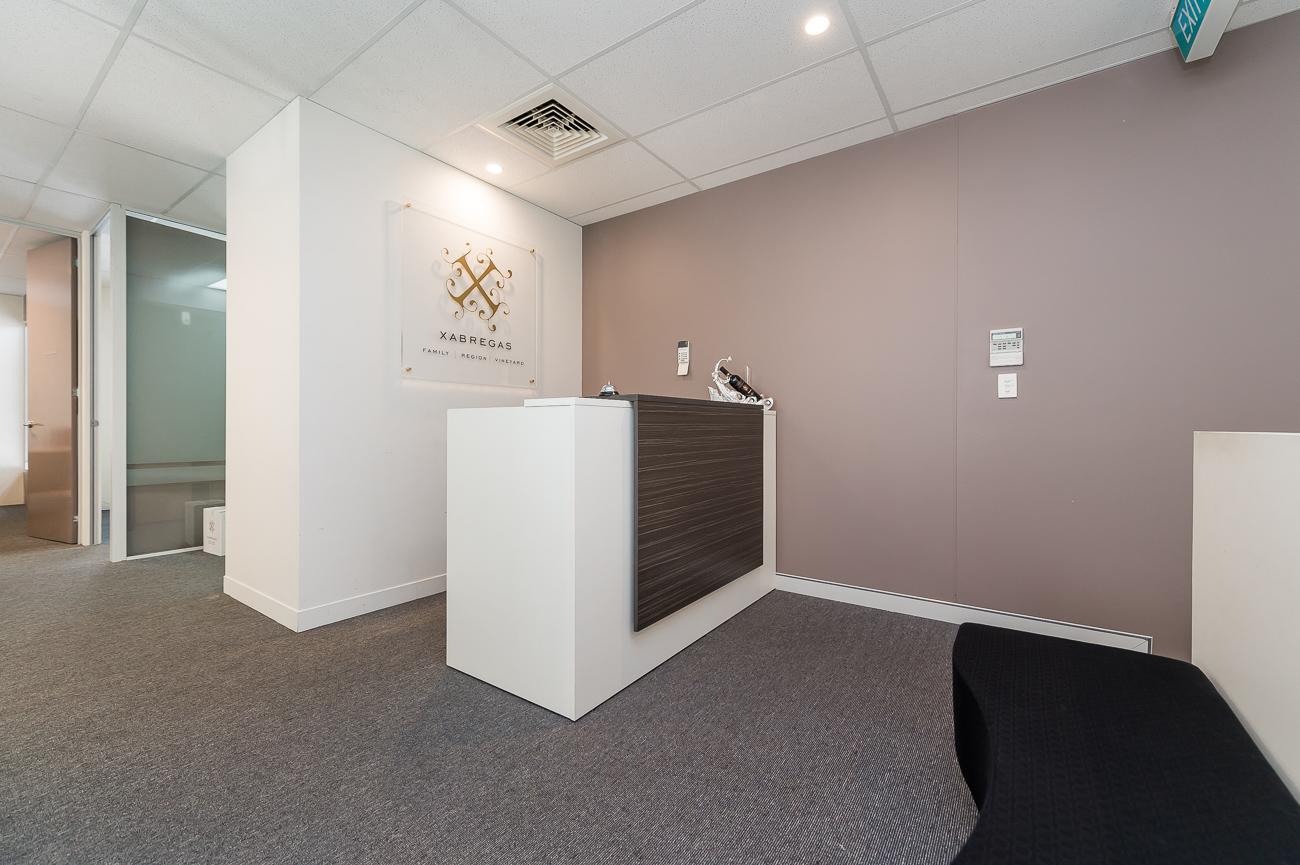 https://propertyphotos.vaultre.com.au/835/16084145__1606878264-25908-9AAgnewWaySubiaco-5.jpg