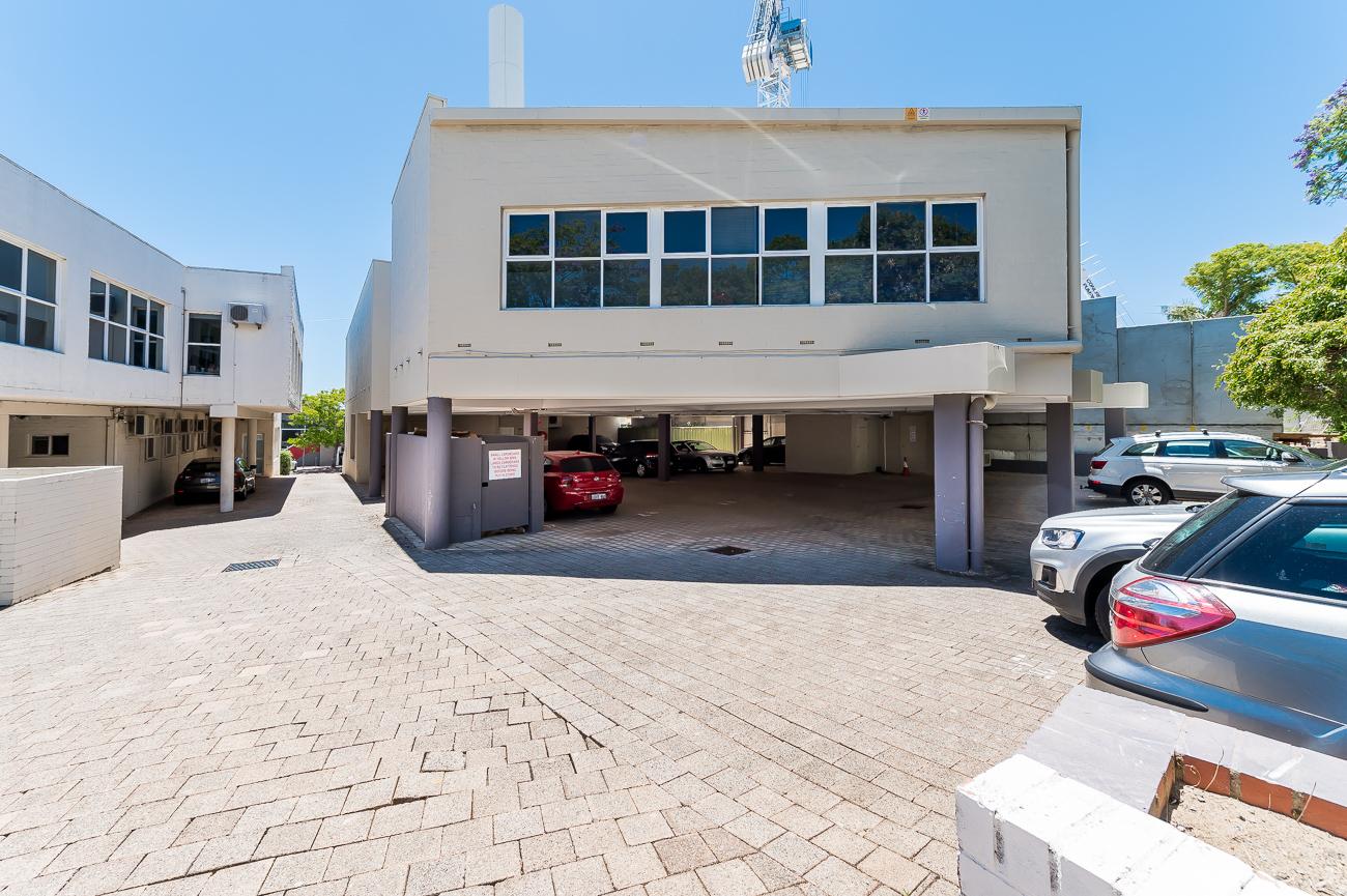 https://propertyphotos.vaultre.com.au/835/1623383998-11-Address-63.jpg
