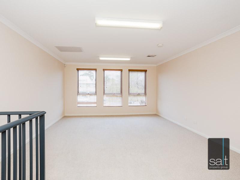 https://propertyphotos.vaultre.com.au/835/16396613__1607481664-12342-WEB23784CanningHighwayApplecross3.jpg