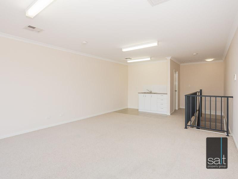 https://propertyphotos.vaultre.com.au/835/16396615__1607481668-25543-WEB23784CanningHighwayApplecross4.jpg
