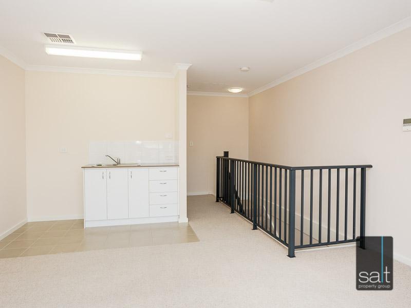 https://propertyphotos.vaultre.com.au/835/16396618__1607481671-1145-WEB23784CanningHighwayApplecross5.jpg