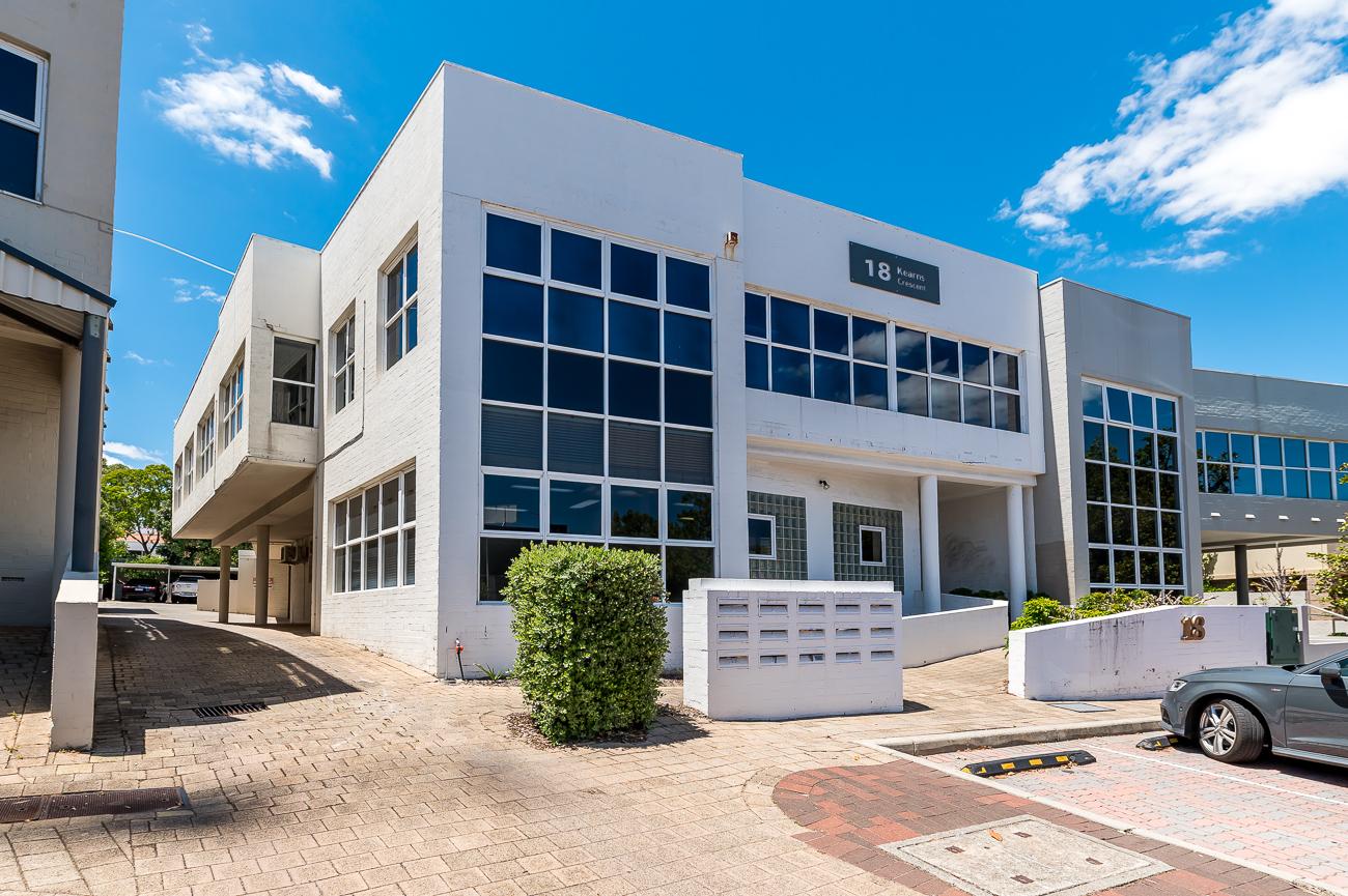 https://propertyphotos.vaultre.com.au/835/16431008__1607649942-23732-Address-5.jpg