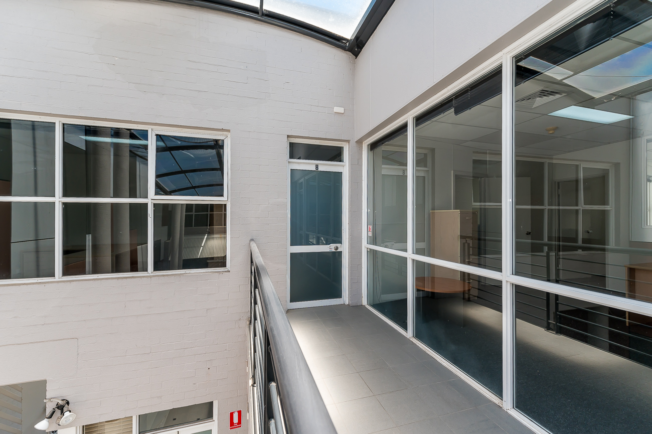 https://propertyphotos.vaultre.com.au/835/16431023__1607650010-19921-Address-28.jpg