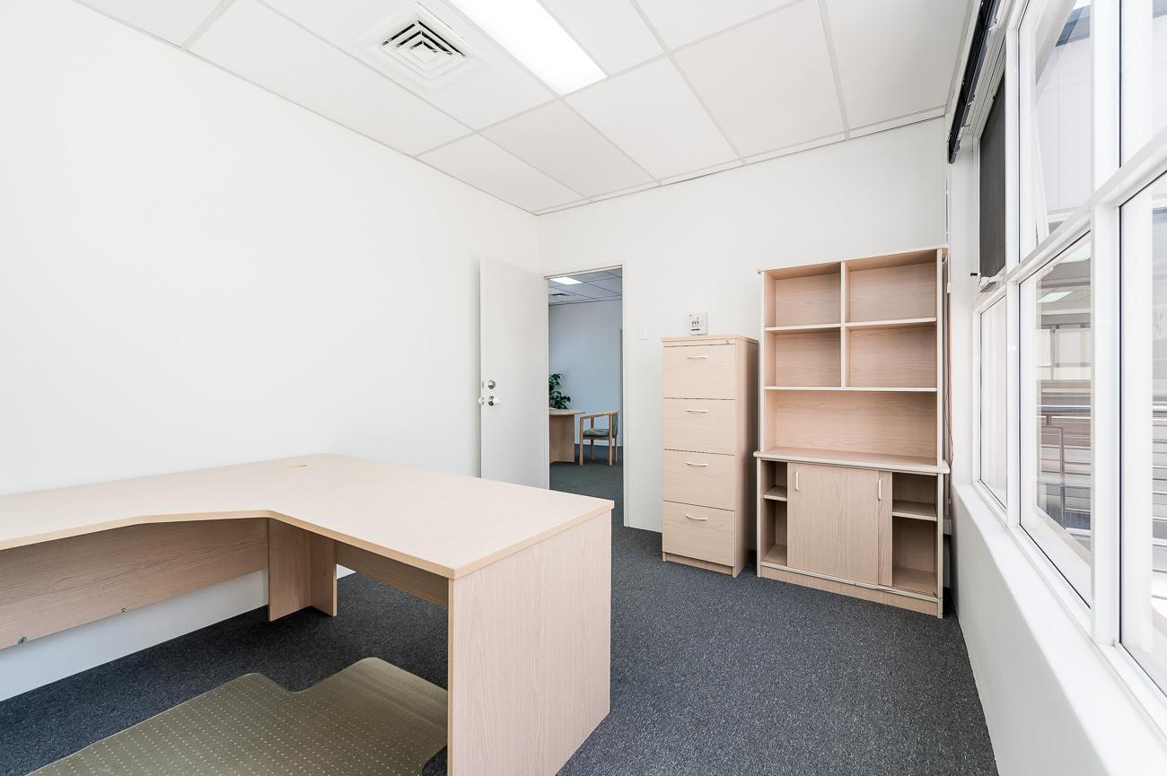 https://propertyphotos.vaultre.com.au/835/16431038__1607650045-3316-Address-35.jpg