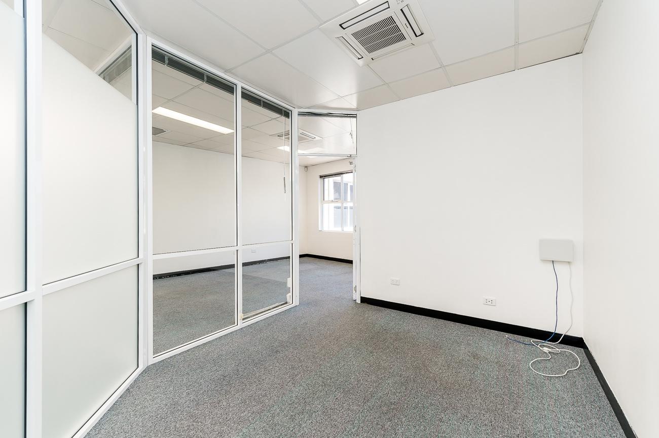 https://propertyphotos.vaultre.com.au/835/16434951__1607665899-28938-Address-100.jpg