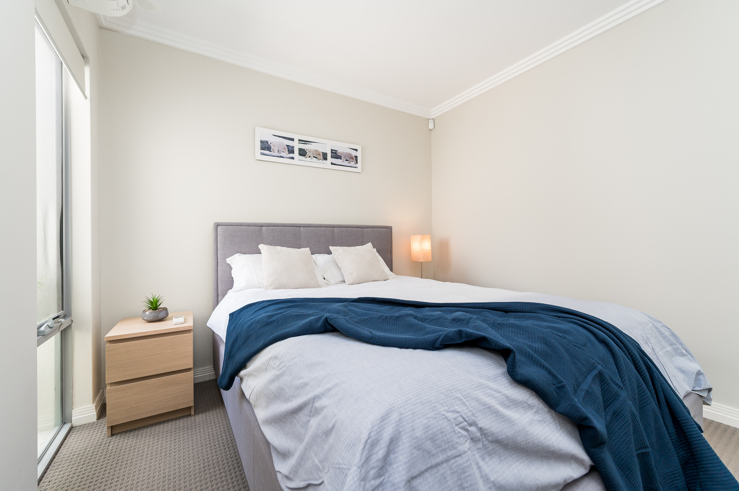 https://propertyphotos.vaultre.com.au/835/16567600__1608020191-14079-4122EdwardStOsbornePark-9.jpg