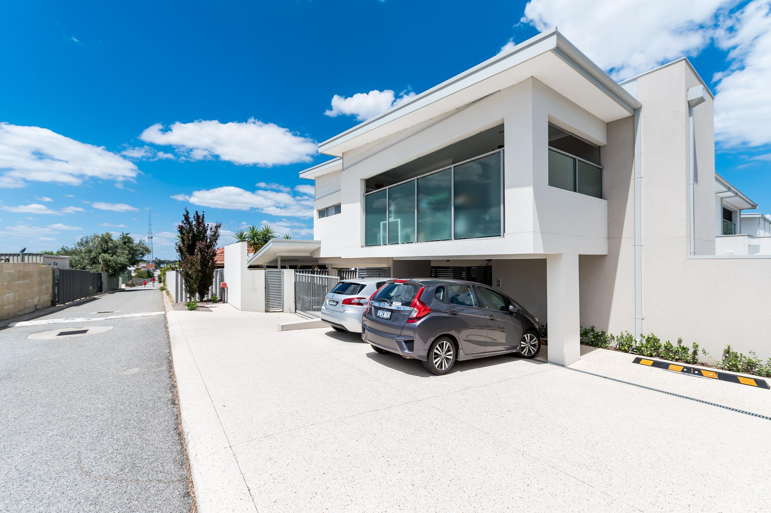 https://propertyphotos.vaultre.com.au/835/16567609__1608020202-18843-4122EdwardStOsbornePark-18.jpg