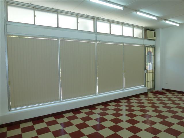 https://propertyphotos.vaultre.com.au/835/16637718__1608169881-19321-P1010101Small.JPG