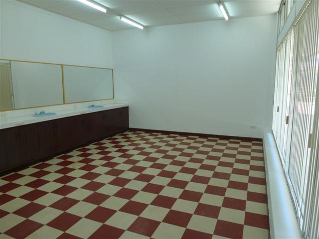 https://propertyphotos.vaultre.com.au/835/16637720__1608169888-29630-P1010097Small.JPG