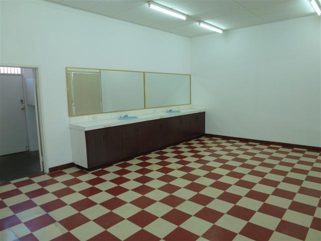 https://propertyphotos.vaultre.com.au/835/16637721__1608169894-8621-P1010096Small.JPG