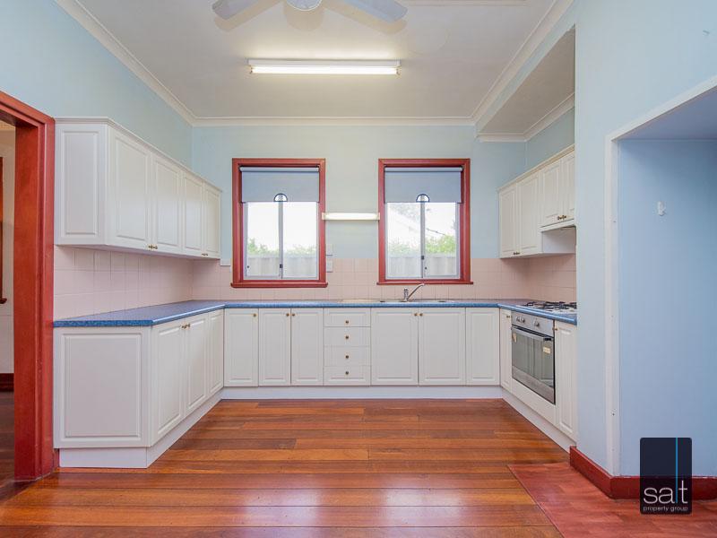 https://propertyphotos.vaultre.com.au/835/16751869__1608701584-15859-77ReynoldsRdMtPleasant-10.jpg