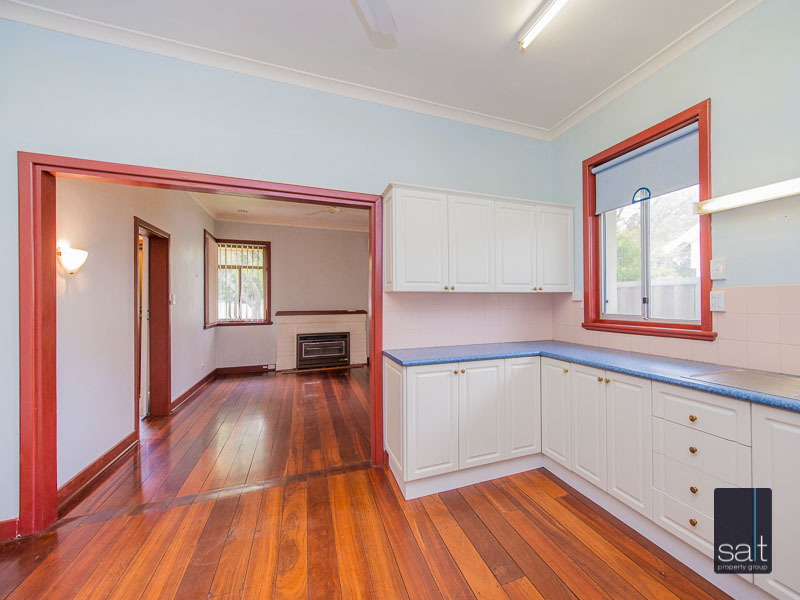 https://propertyphotos.vaultre.com.au/835/16751871__1608701586-27323-77ReynoldsRdMtPleasant-12.jpg