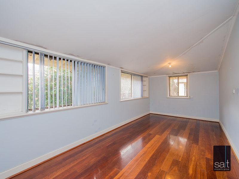 https://propertyphotos.vaultre.com.au/835/16751882__1608701590-27335-77ReynoldsRdMtPleasant-16.jpg