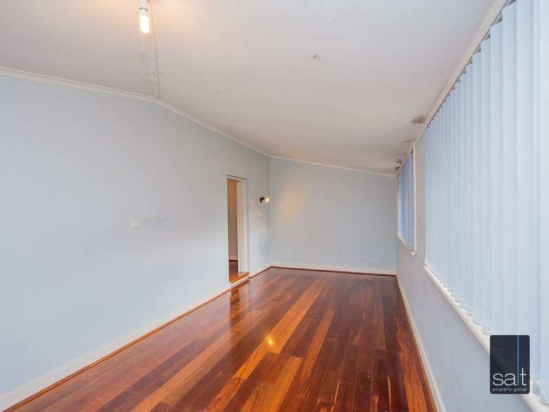 https://propertyphotos.vaultre.com.au/835/16751883__1608701591-5111-77ReynoldsRdMtPleasant-17.jpg