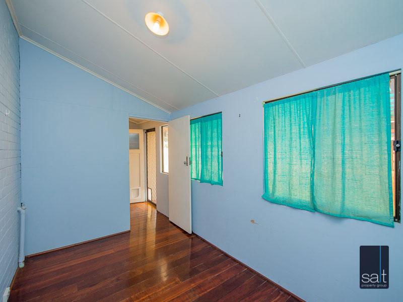 https://propertyphotos.vaultre.com.au/835/16751886__1608701593-27352-77ReynoldsRdMtPleasant-19.jpg