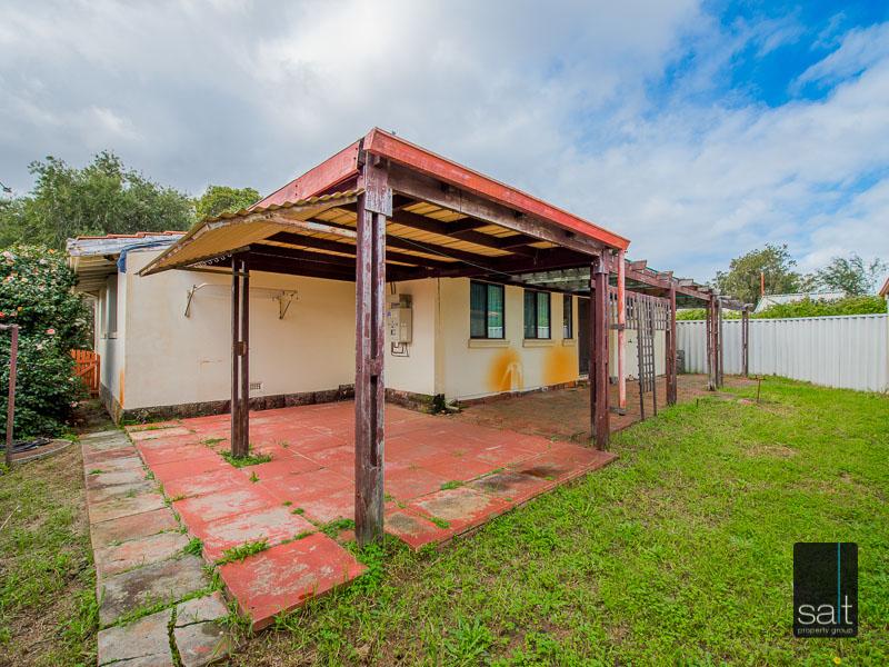 https://propertyphotos.vaultre.com.au/835/16751893__1608701598-9477-77ReynoldsRdMtPleasant-22.jpg