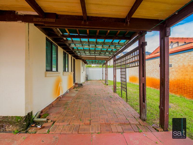 https://propertyphotos.vaultre.com.au/835/16751899__1608701601-6317-77ReynoldsRdMtPleasant-25.jpg