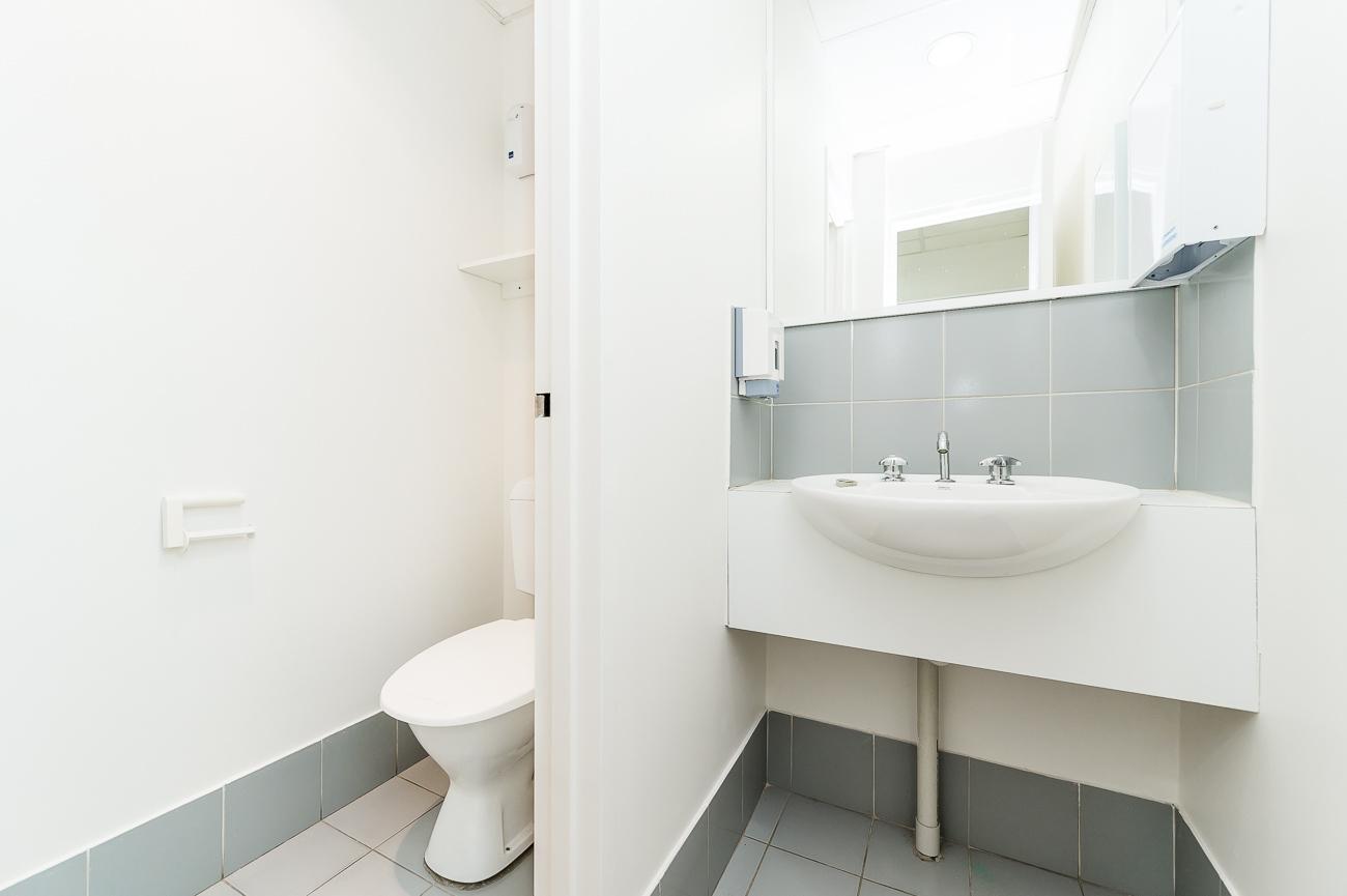 https://propertyphotos.vaultre.com.au/835/16966314__1610092818-12945-Address-83.jpg