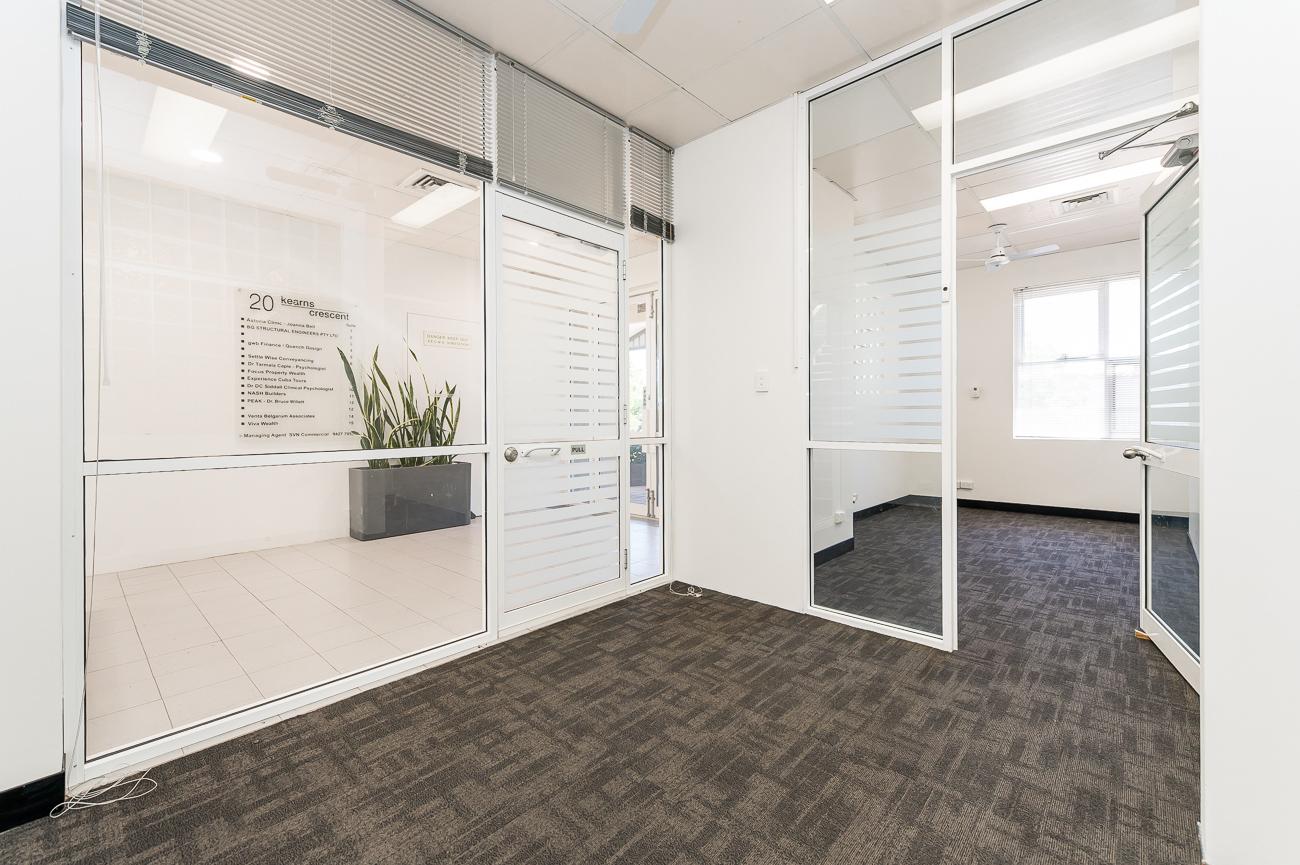 https://propertyphotos.vaultre.com.au/835/16966320__1610092822-22076-Address-74.jpg