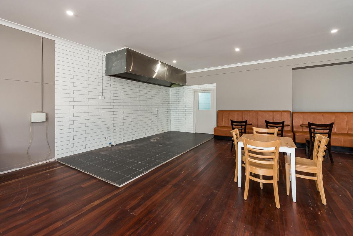 https://propertyphotos.vaultre.com.au/835/1733571__1570252889-19589-901CanningHwyApplecross-8.jpg