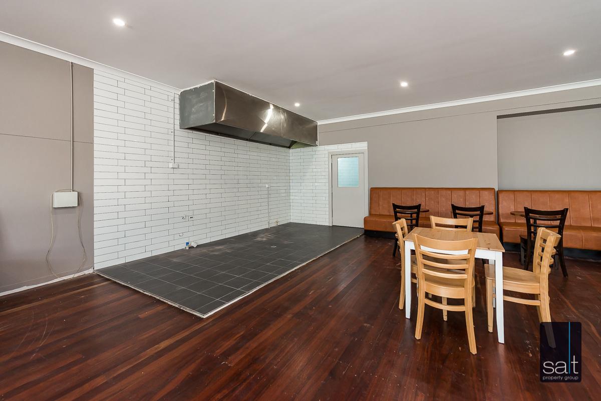 https://propertyphotos.vaultre.com.au/835/1734244__1570422529-11620-901CanningHwyApplecross-8.jpg