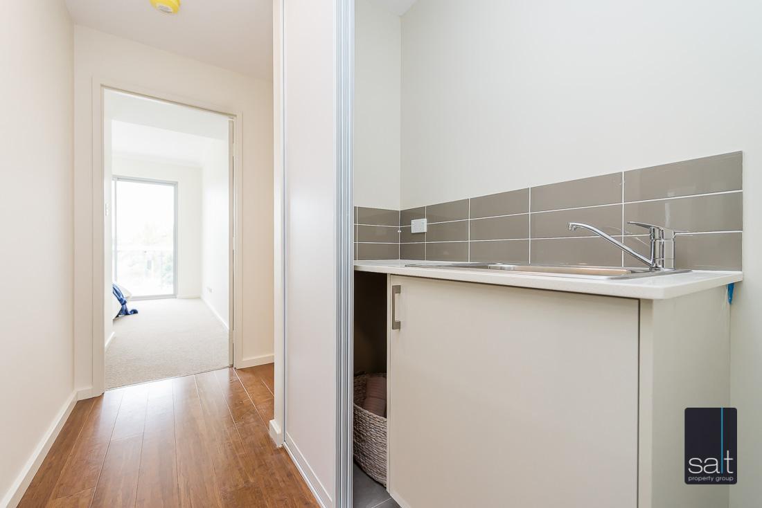 https://propertyphotos.vaultre.com.au/835/1735968__1570507586-16926-164RiseleyStBooragoon-31.jpg