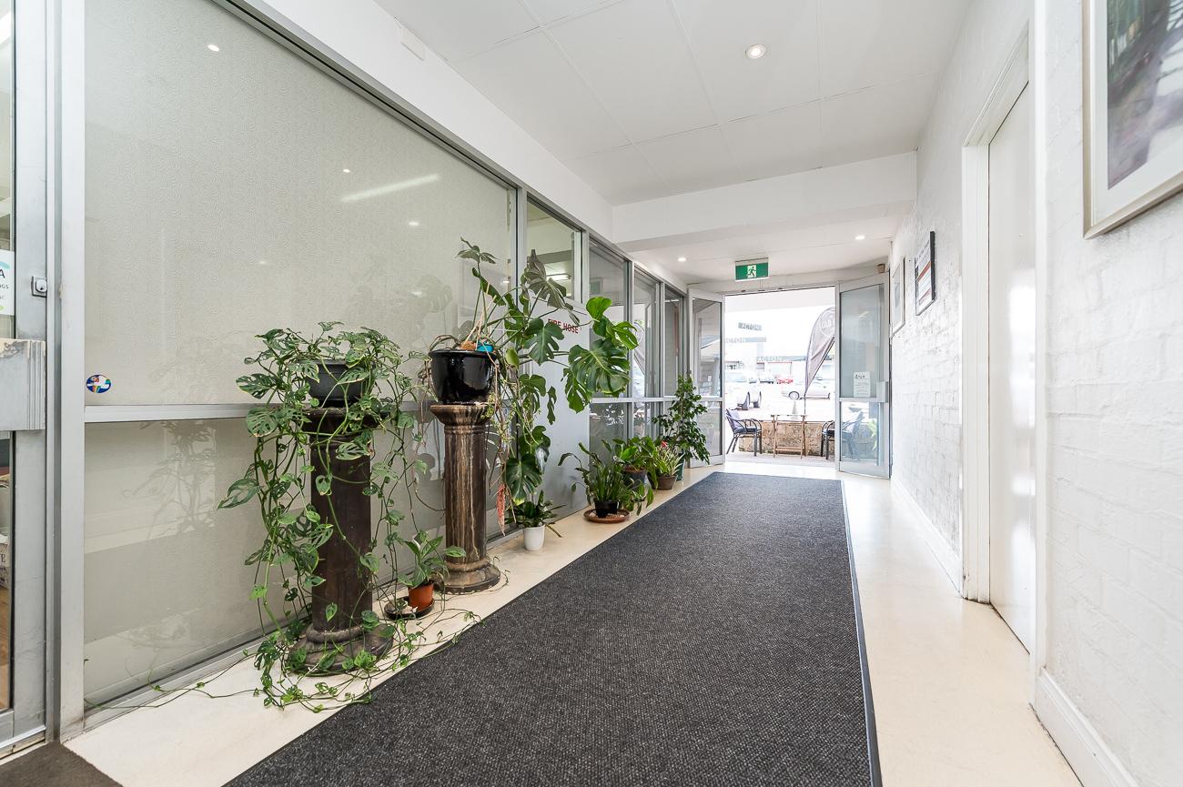 https://propertyphotos.vaultre.com.au/835/17391921__1610772893-2272-25781CanningHighwayApplecross-20.jpg