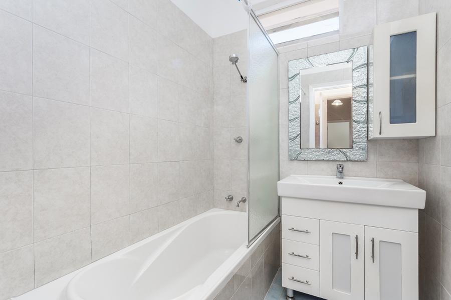 https://propertyphotos.vaultre.com.au/835/17811019__1611123781-5889-IMG0125.jpg