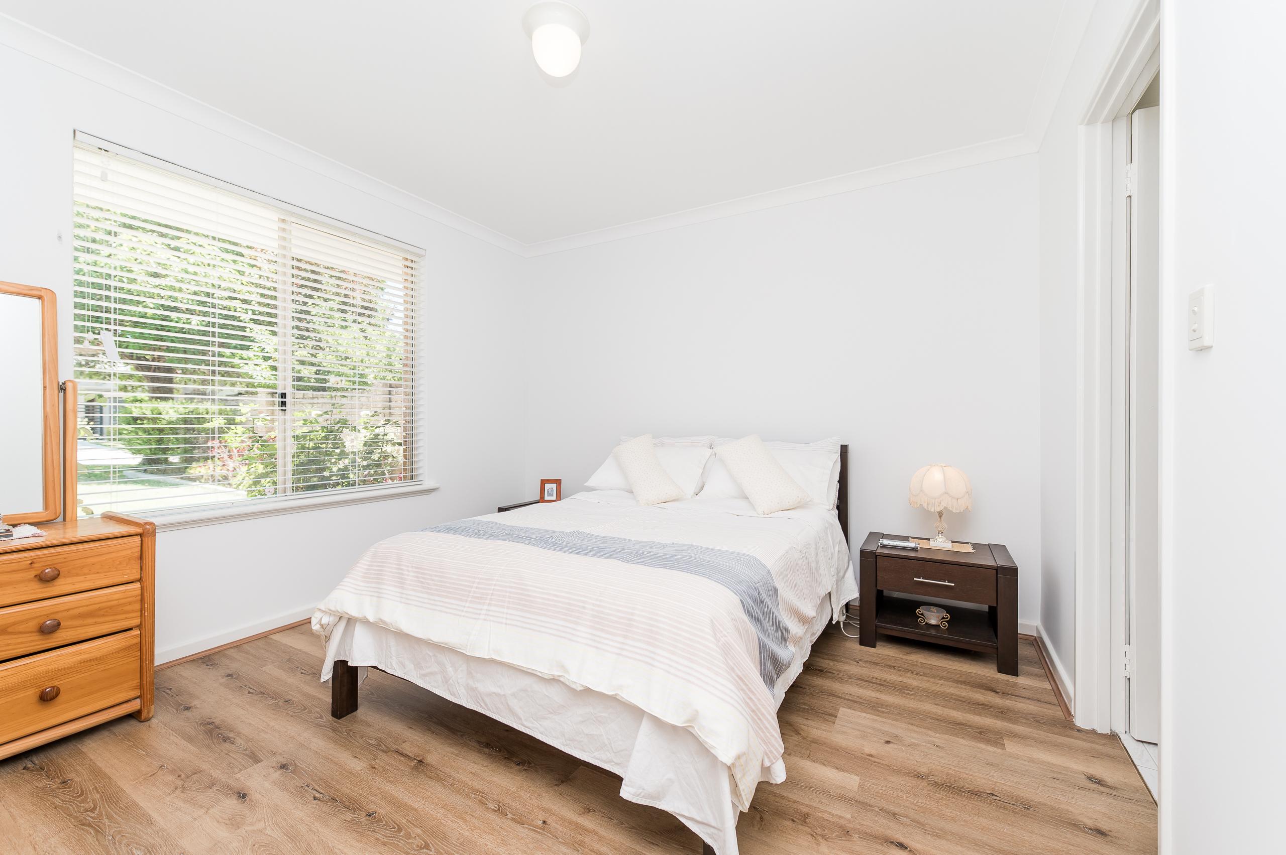 https://propertyphotos.vaultre.com.au/835/17839103__1611224451-22008-7bGlencoeRoadArdross2-11.jpg