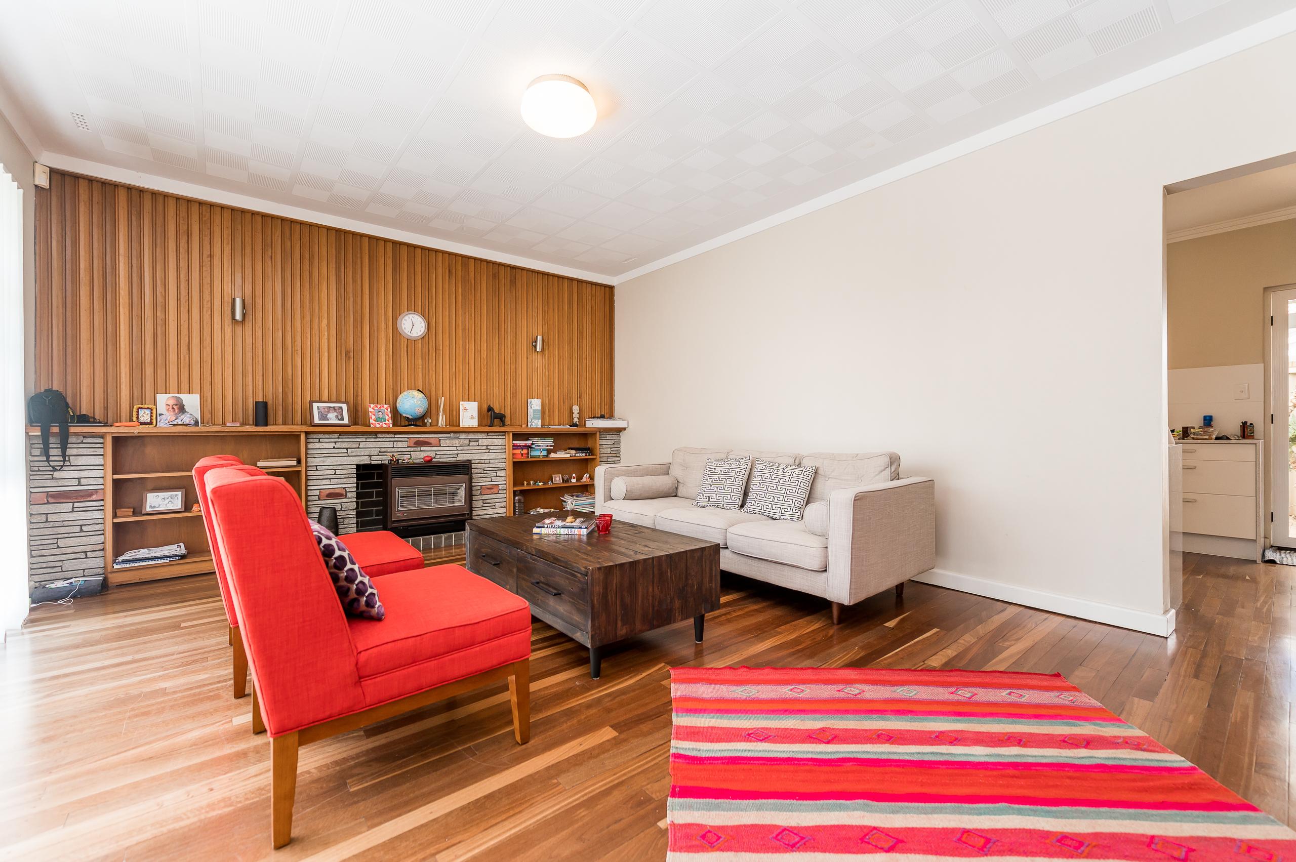 https://propertyphotos.vaultre.com.au/835/17888591__1611567579-29875-113RiseleyStreetArdross-5.jpg