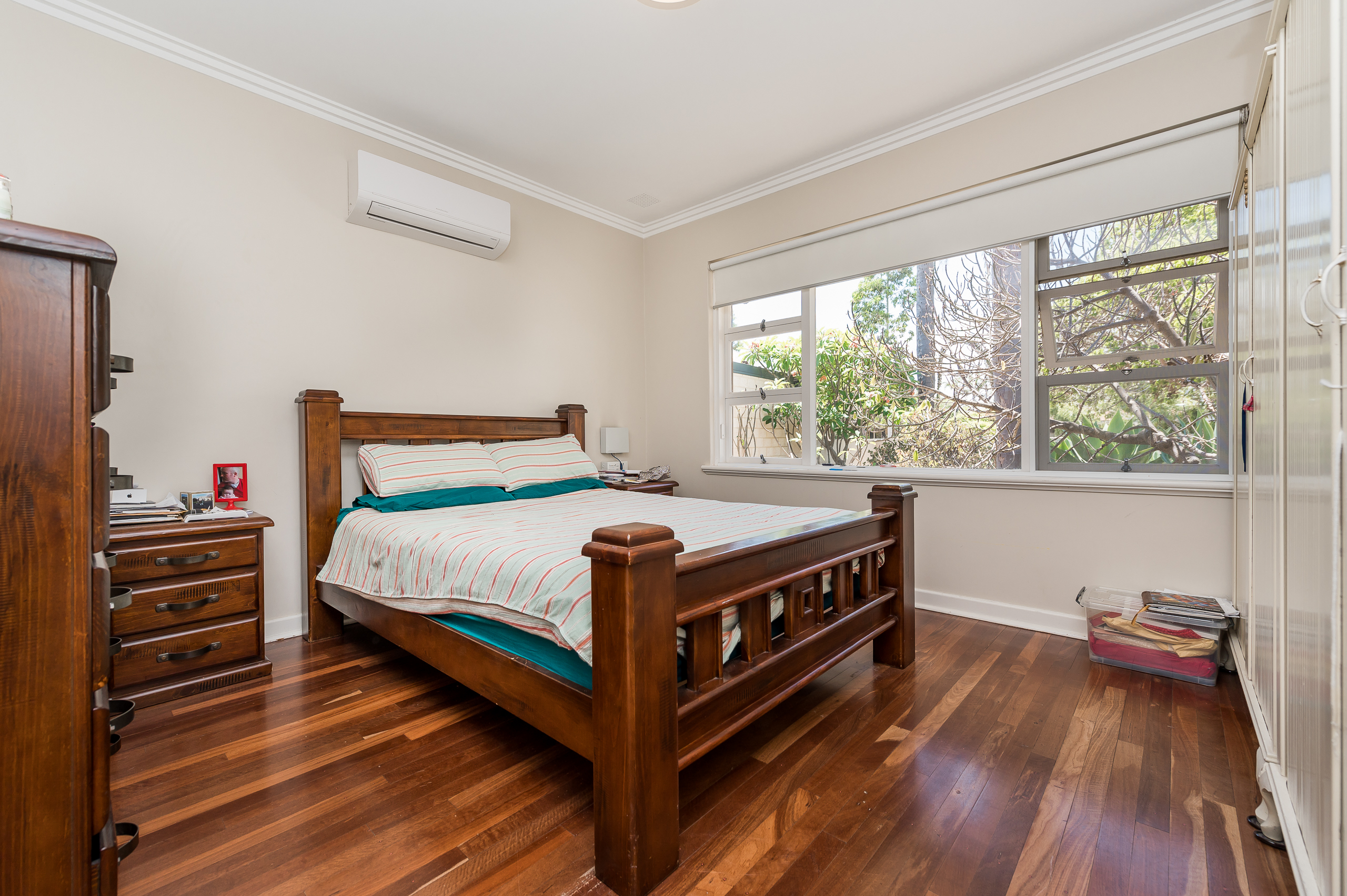 https://propertyphotos.vaultre.com.au/835/17888598__1611567744-29996-113RiseleyStreetArdross-12.jpg