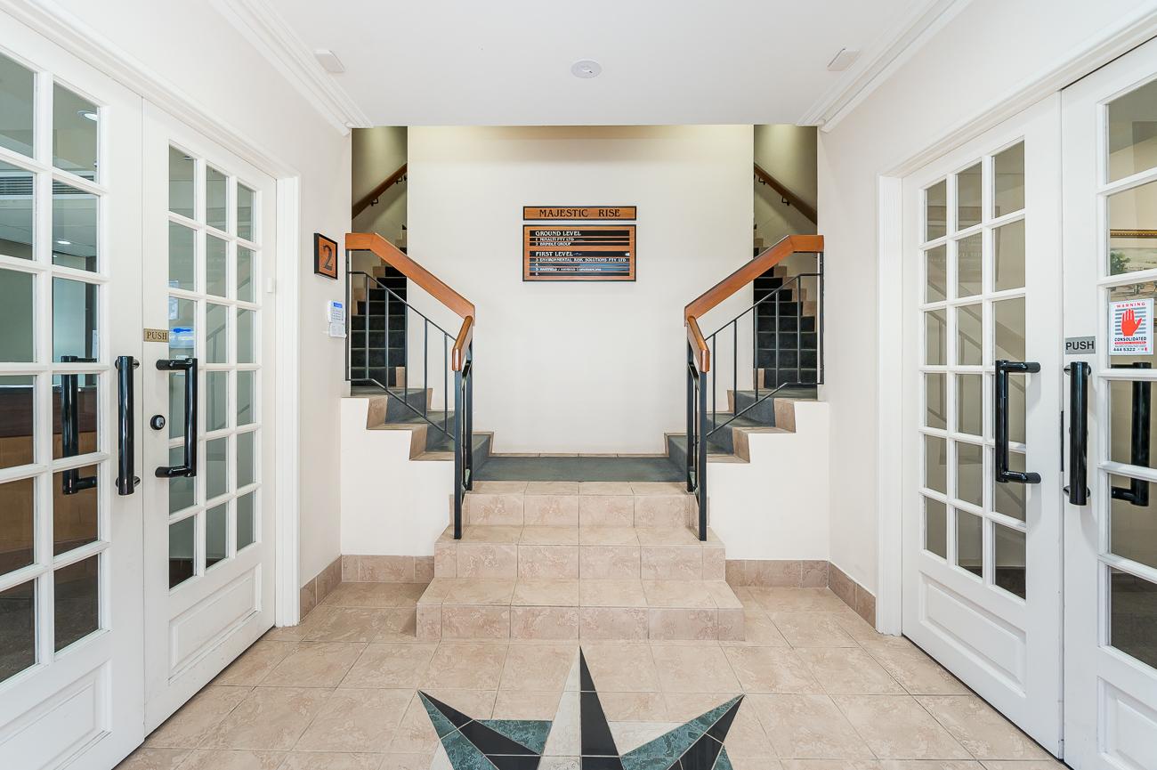 https://propertyphotos.vaultre.com.au/835/18169053__1611996934-2980-416MoreauMewsApplecross-5.jpg