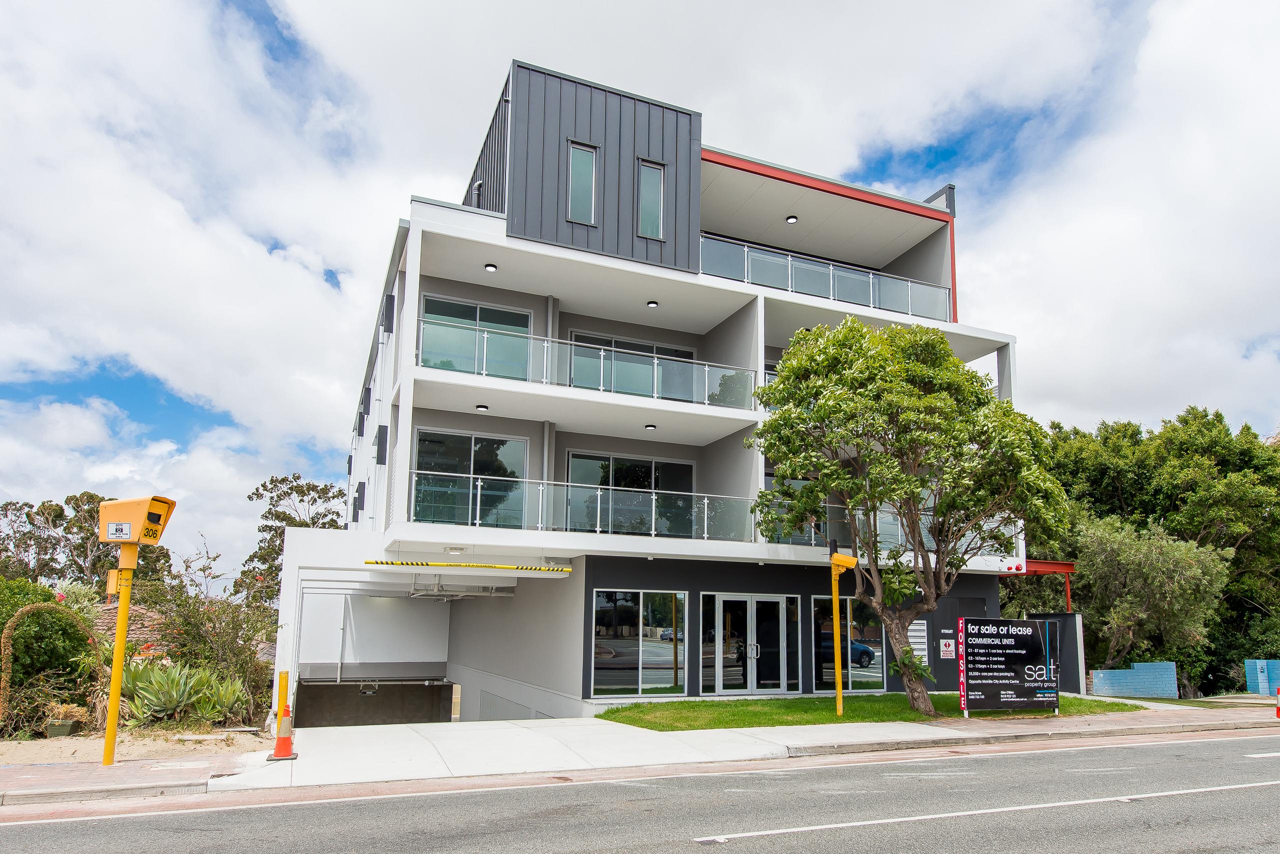 https://propertyphotos.vaultre.com.au/835/1829318__1571719444-23244-164RiseleyStBooragoon-3.jpg