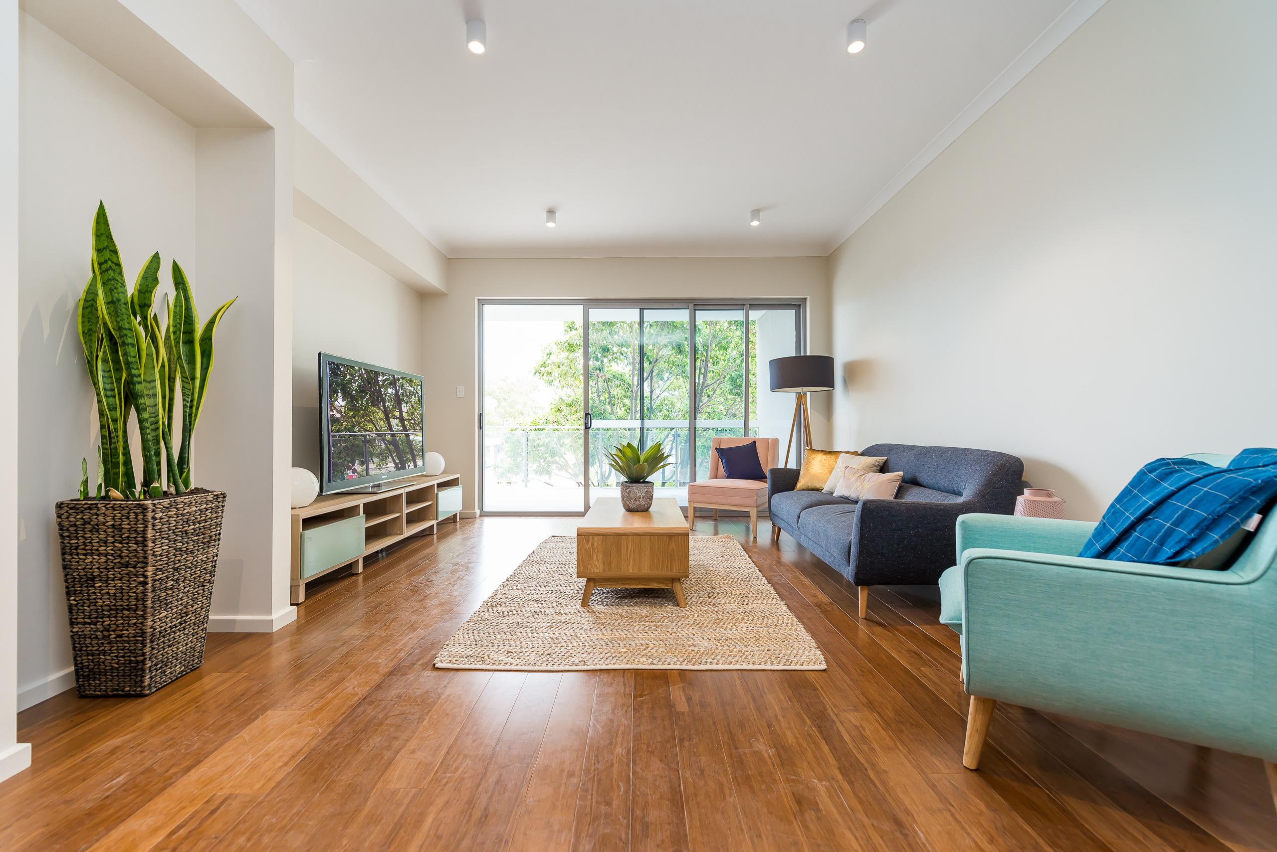 https://propertyphotos.vaultre.com.au/835/1829321__1571719446-23256-164RiseleyStBooragoon-16.jpg