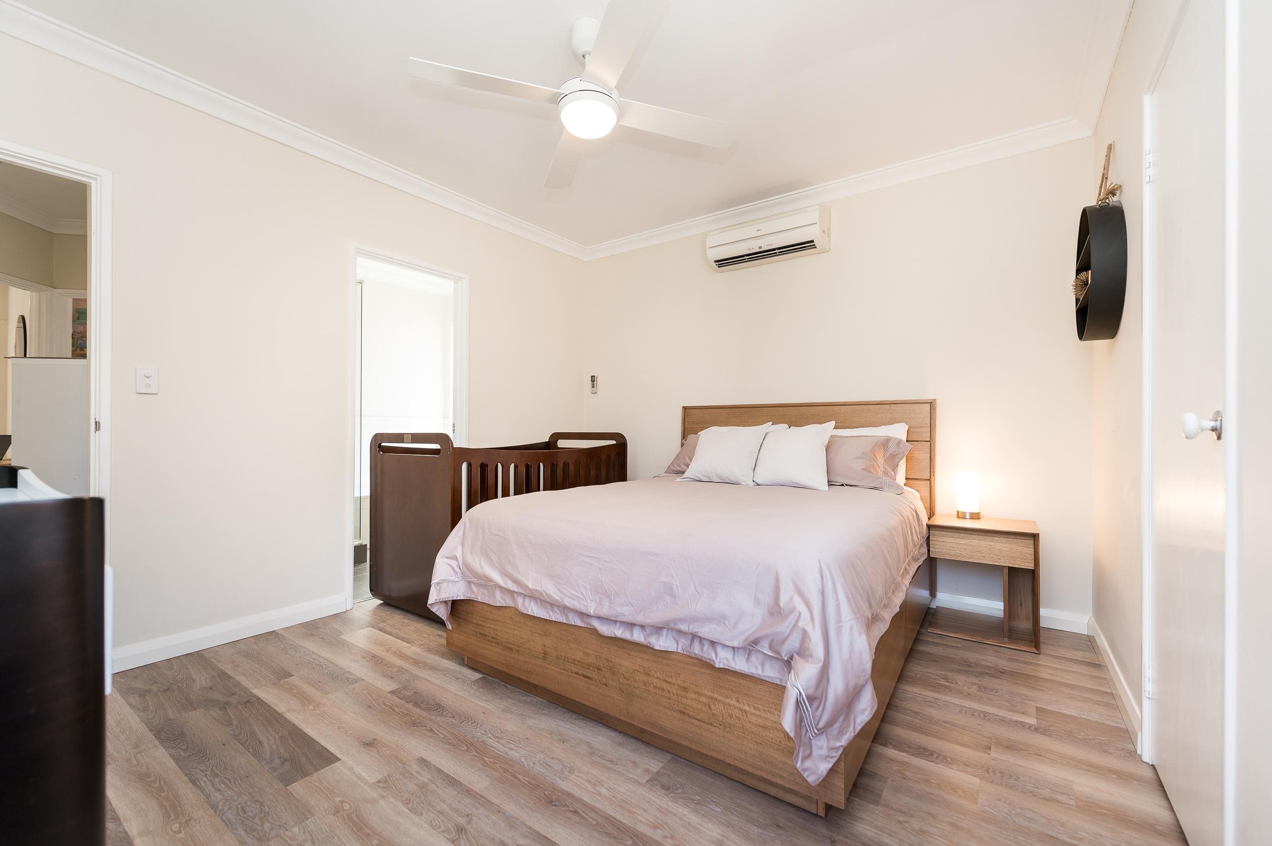 https://propertyphotos.vaultre.com.au/835/18373681__1612422802-21079-88SleatRoadMtPleasant-11.jpg