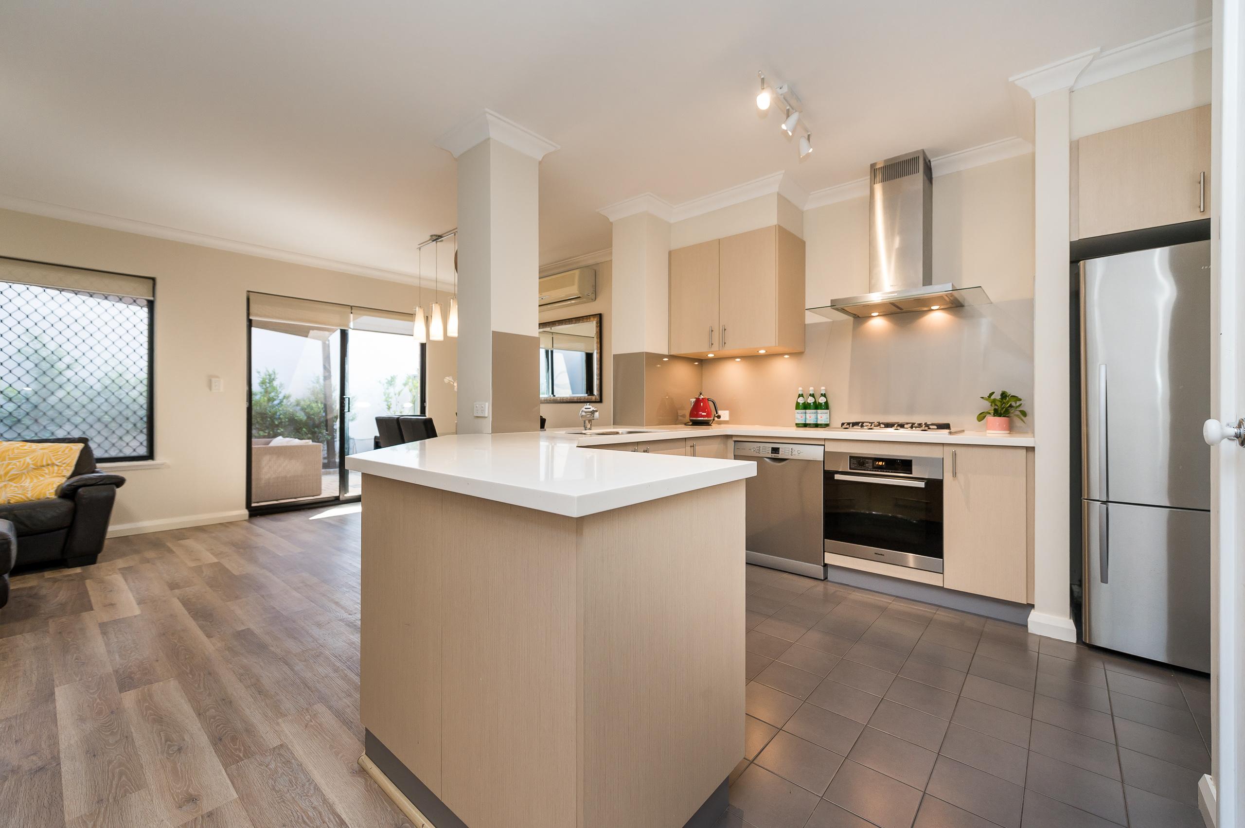https://propertyphotos.vaultre.com.au/835/18373692__1612422865-21134-88SleatRoadMtPleasant-16.jpg