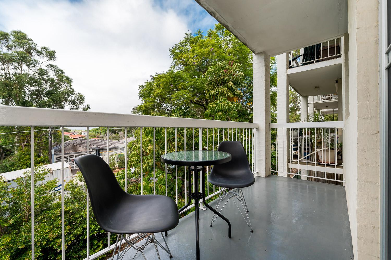 https://propertyphotos.vaultre.com.au/835/18546271__1612849269-17464-558KathleenAvenueMaylands-15.jpg