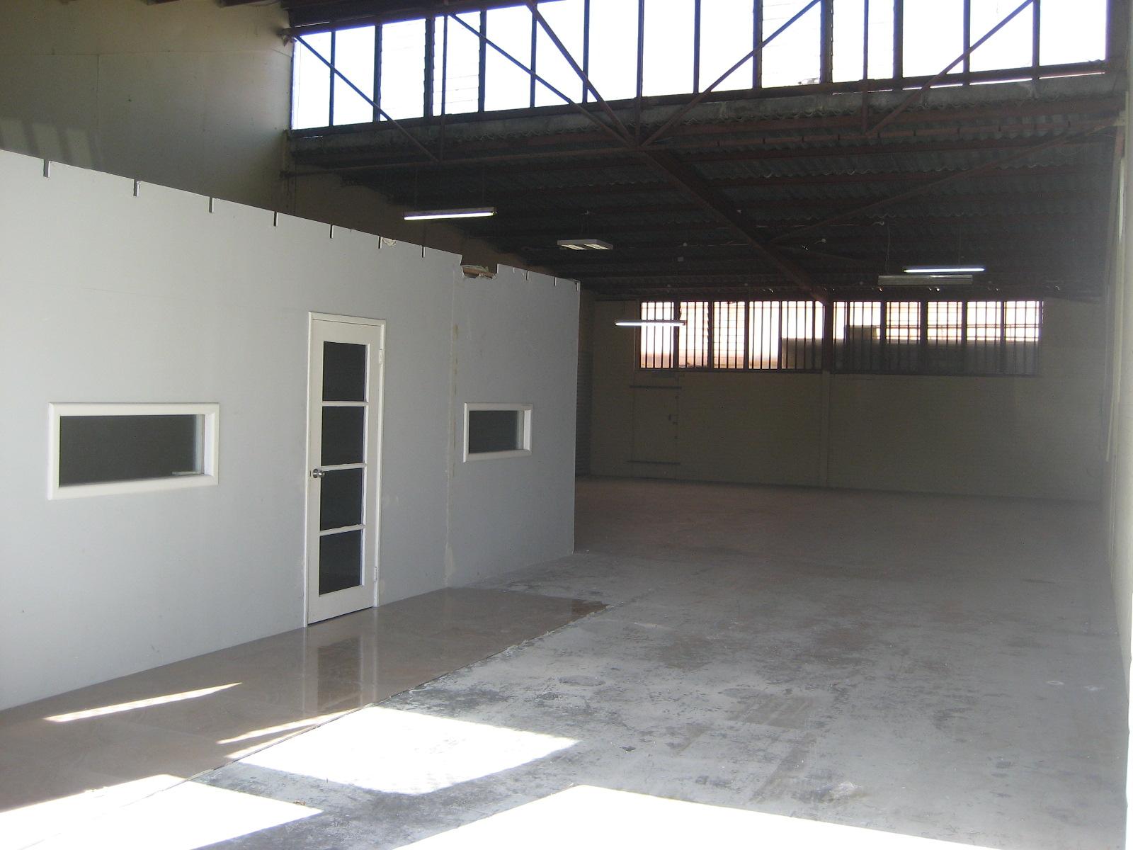 https://propertyphotos.vaultre.com.au/835/18843238__1613452054-32201-ThursoRd1stMay2018002.JPG